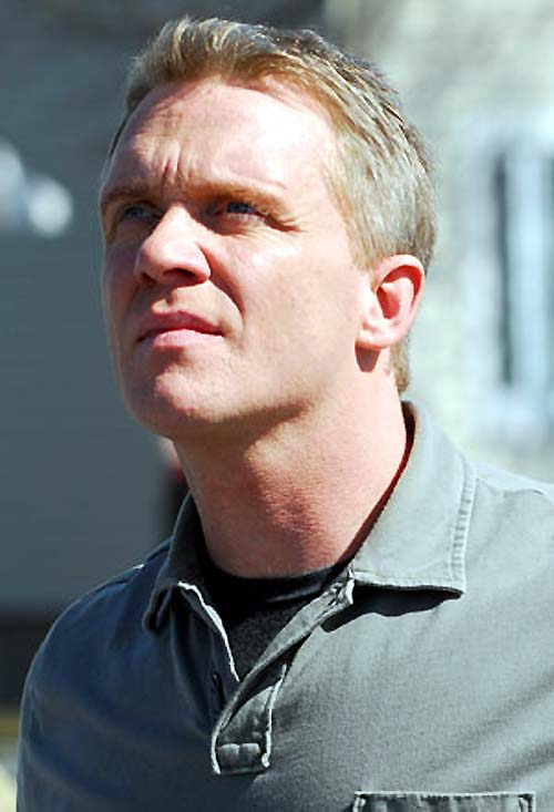http://www.unificationfrance.com/IMG/jpg/Batman_the_dark_knight_Anthony_Michael_Hall_2.jpg